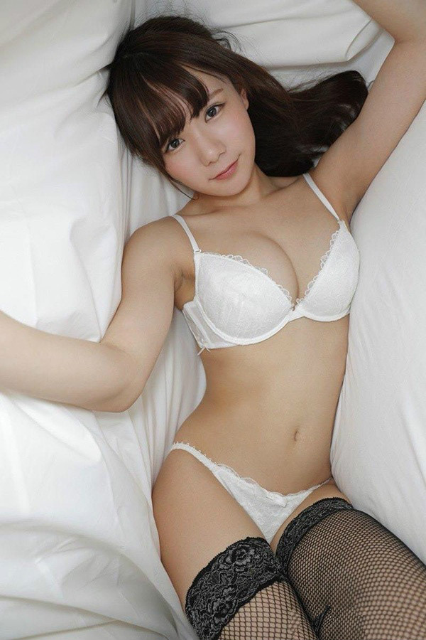 坂道美琉可愛AV女優
