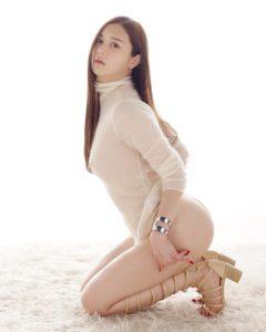 美長腿AV女優白峰美羽